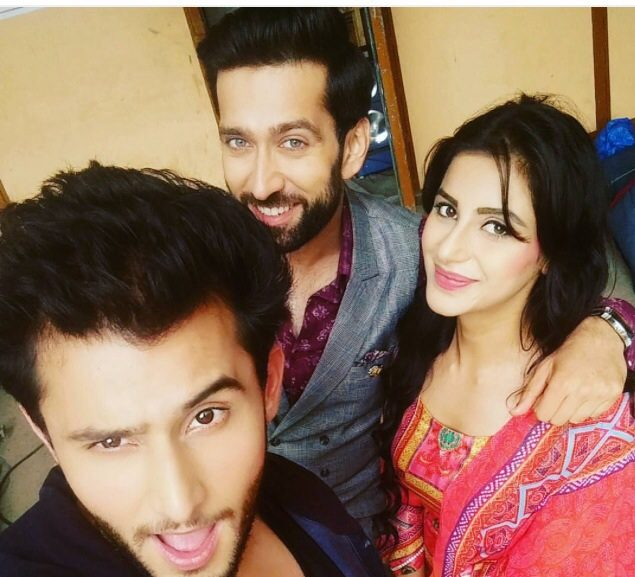 Upcoming Twist! Ishqbaaz 9th April 2017 Today Episode Written Updates